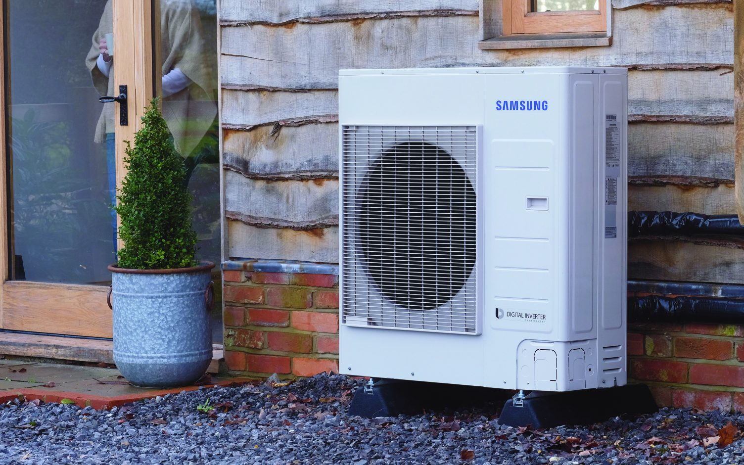 The UK is targeting 600,000 heat pump installations a year by 2027. Image: Igloo Energy.