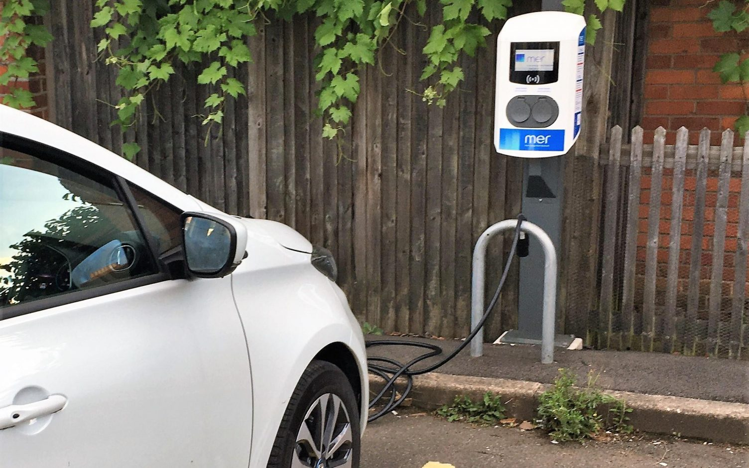Paua recently trialed its plug and charge solution at a Mer EV fast AC charge. Image: Paua