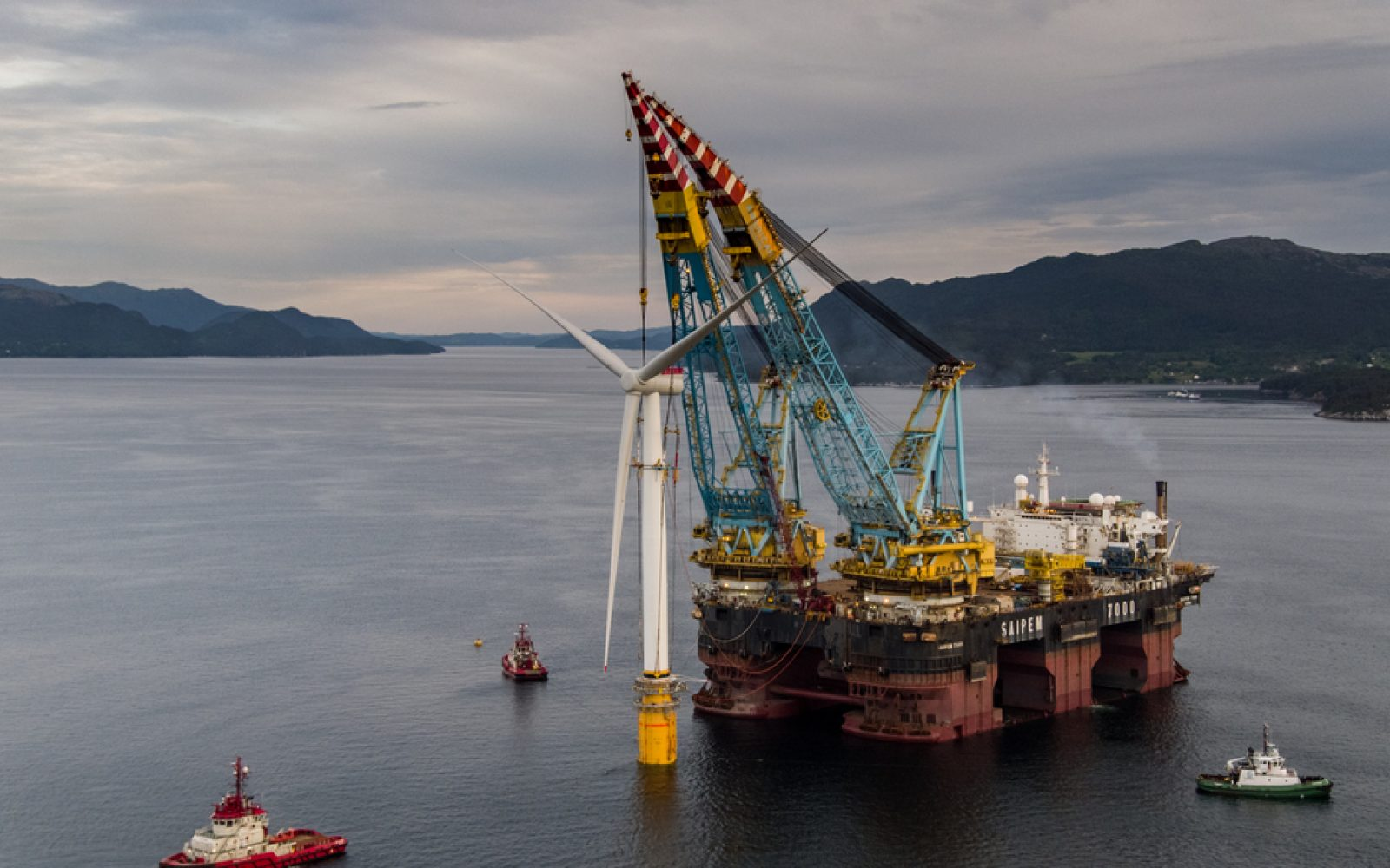 Equinor's offshore floating wind technology being installed off the coast of Scotland. Image: Ørjan Richardsen/Equinor.