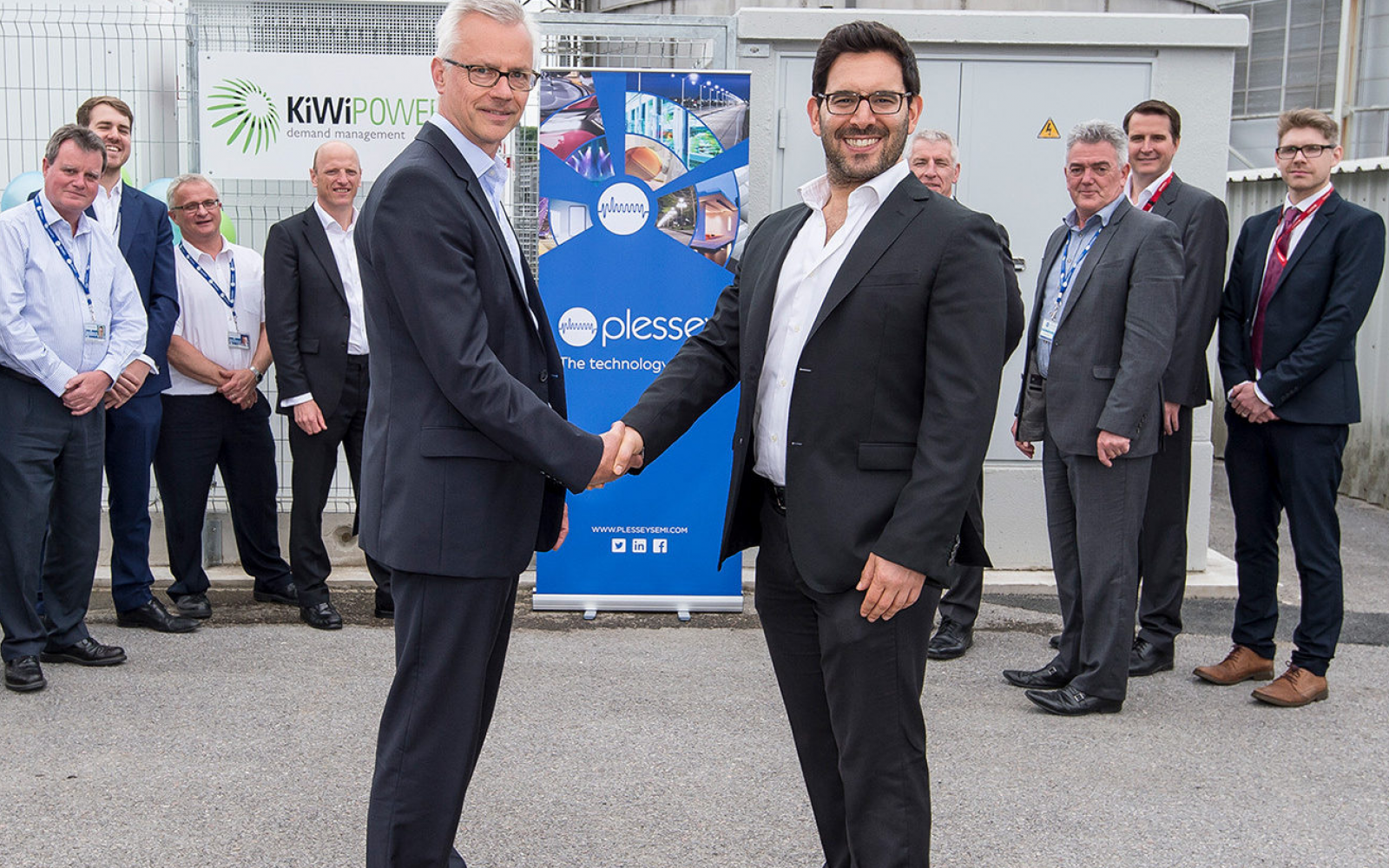 KiWi Power co-founder Yoav Zingher (foreground right) has stood down following the sale of his shares. Image: KiWi Power.