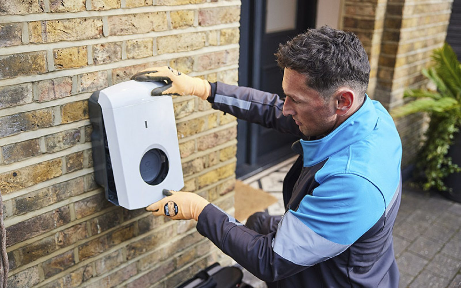 British Gas engineers will install Alfen EV chargers and provide ongoing services for EV drivers. Image: British Gas.