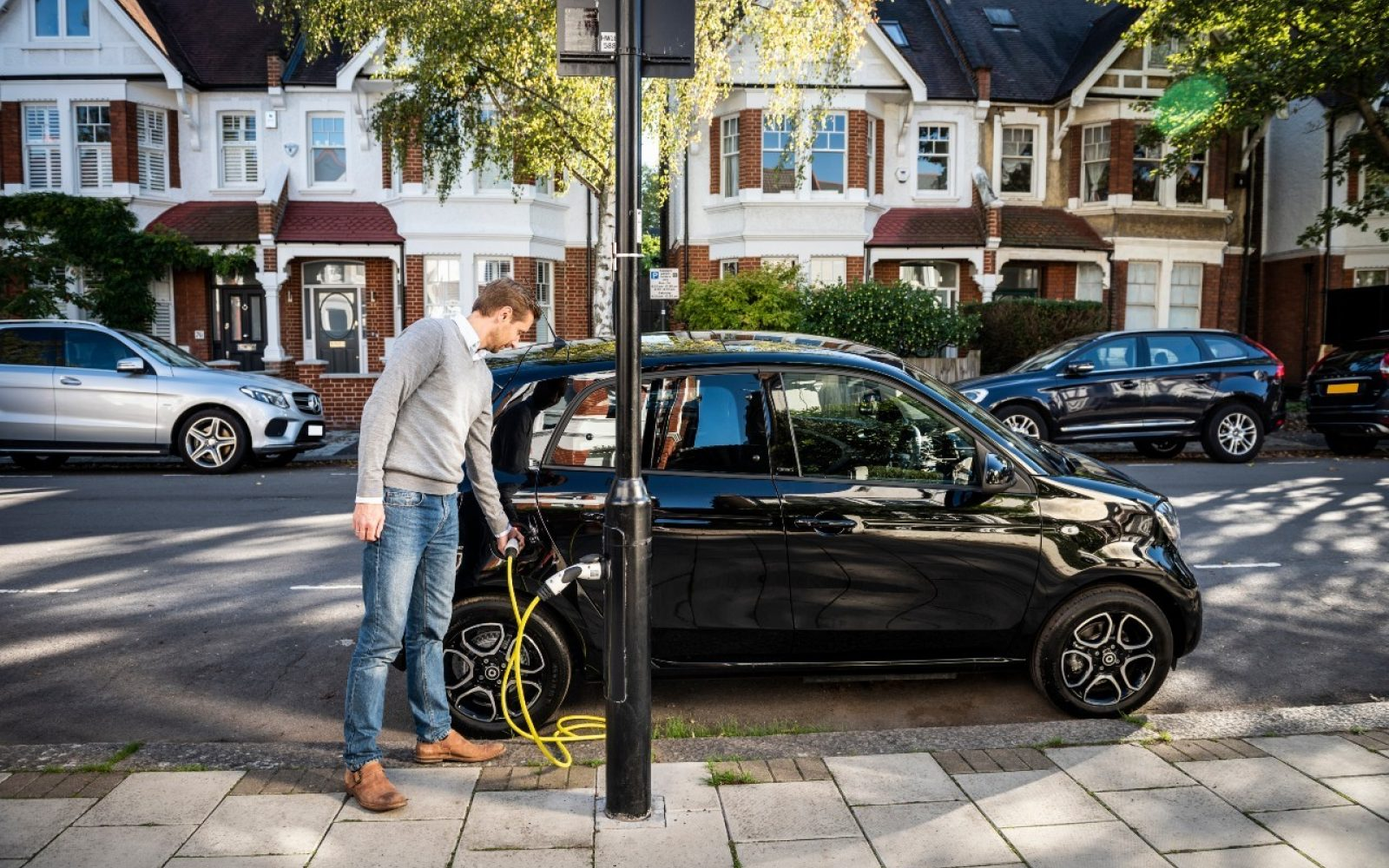The CMA study is now to focus more heavily on on-street chargers such as this ubitricity lamppost chargers, as well as rapid charging. Image: Shell.