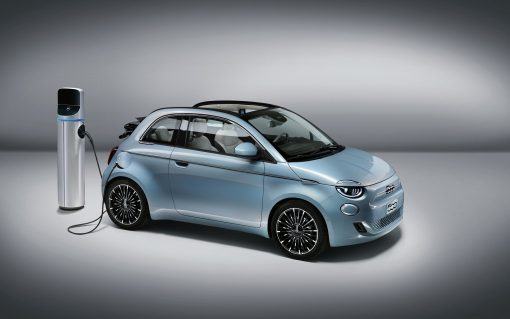 Fiat 500 EVs will be used for the initial phase of the trial. Image: Kaluza.