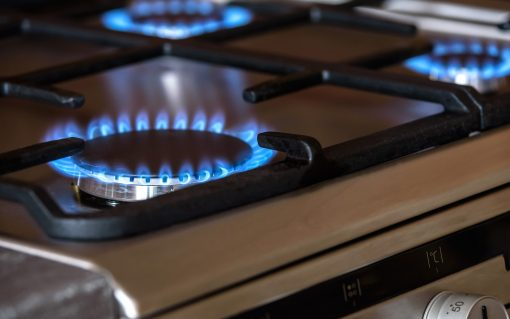 Gas costs include less than 2% of environmental and social obligation costs.