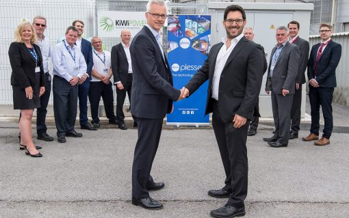 Iain Silvester, chief financial officer at Plessey (left), with Kiwi Power CEO Yoav Zingher at the official launch of the new battery yesterday. Image: Kiwi Power.