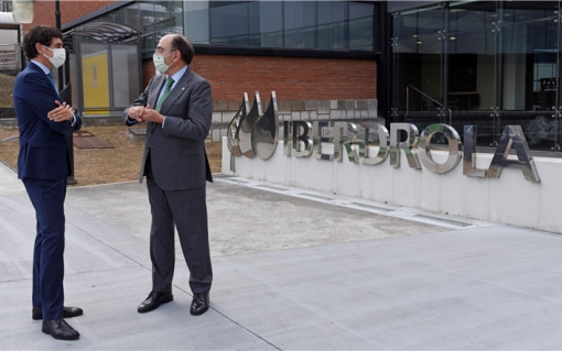 The president of Iberdrola, Ignacio Galán, with the general deputy of Bizkaia, Unai Rementeria. Image: Iberdrola.