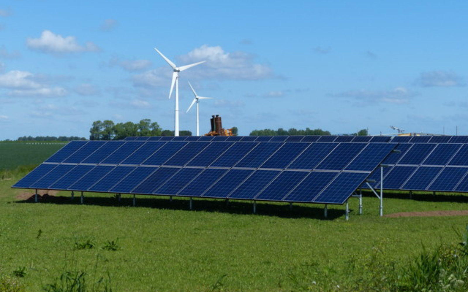 Tech startup receives funds for peer-to-peer online renewable energy trading platfrom